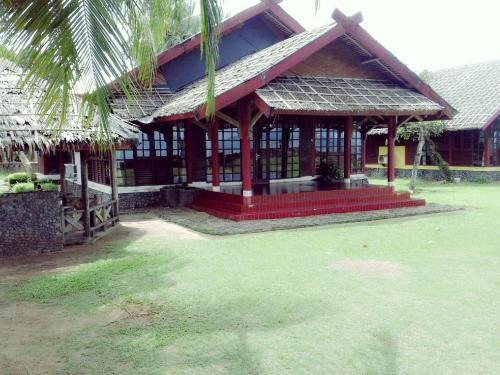 Mutiara Carita Villa, Serang