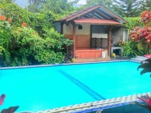 Villa rindu, Bogor