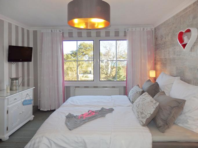 Strandhotel Villa Louisa & Appartementhäuser Villa Josephine und Christine, Vorpommern-Rügen