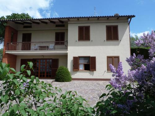 Quaint Holiday Home in Magione with Garden, Perugia