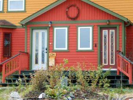 Almost Home Guest House B&B, Yukon