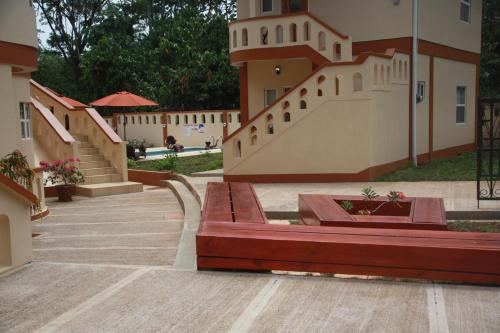 Valley Breeze Guest House,