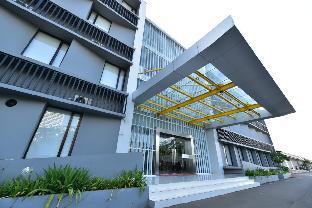 SleepZzz Hotel Polumas, East Jakarta