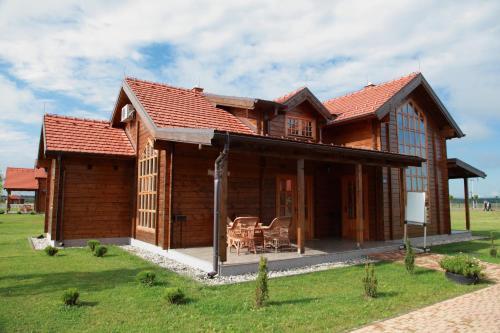 Eko park Krasograd, Pisarovina