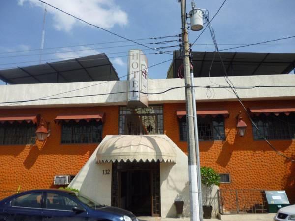Posada Real Don Pedro, Centro