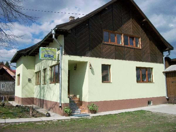Bucovina Hills Guesthouse, Manastirea Humorului