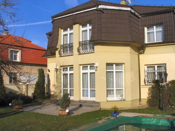 Villa Olivia, Praha 14