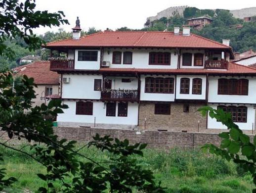 Family Hotel Varosha 2003, Lovech