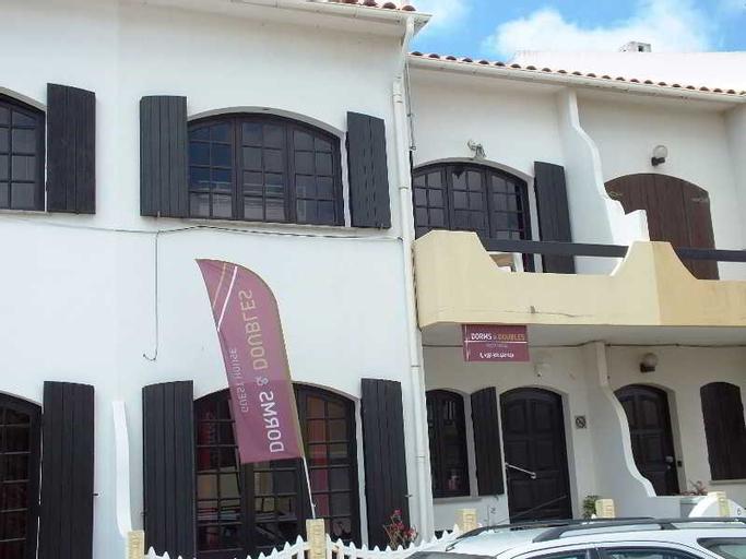 Dorms & Doubles Guesthouse, Peniche