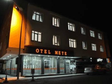 Hotel Mete, Merkez