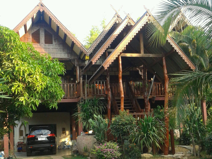 Thai House-Isaan Guesthouse, Nong Sung