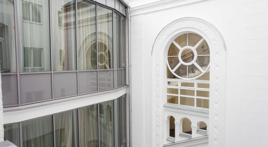12 Revay Hotel, Budapesti