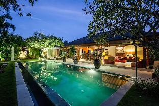 Rare Hidden Central Seminyak-Oberoi Private Villa, Denpasar