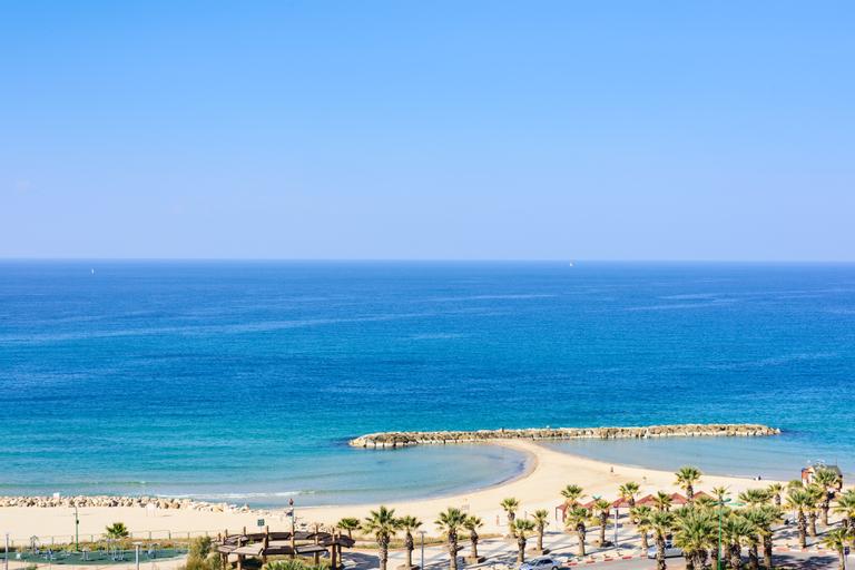 Leonardo Ashkelon by the beach,
