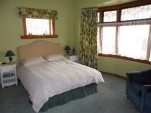 Rosewood Bed & Breakfast - Direct, Grey