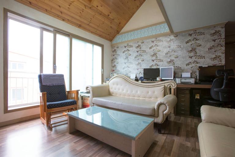 KoZyKoReA Guesthouse, Seo