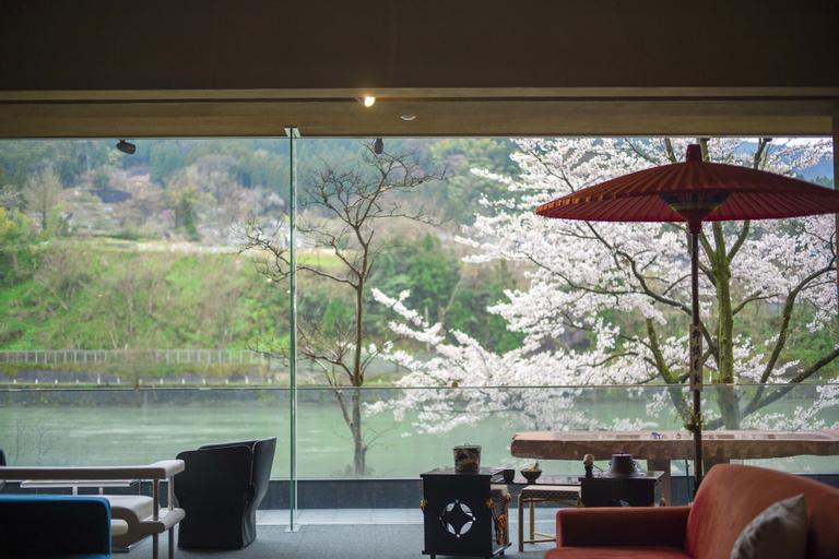 River Retreat GARAKU, Toyama