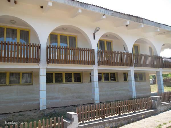 Guest House Bor, Tran