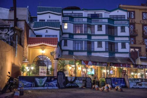 Hostal Brisas del Titicaca, Manco Kapac