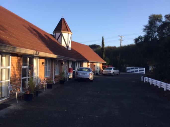 Castle Court Motel, Rodney