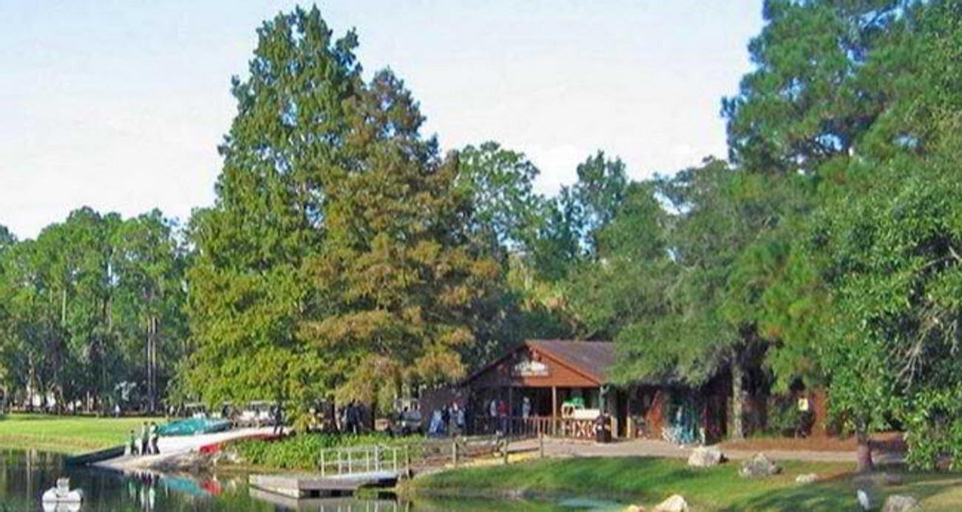 Disney's Fort Wilderness Cabin Package, Orange