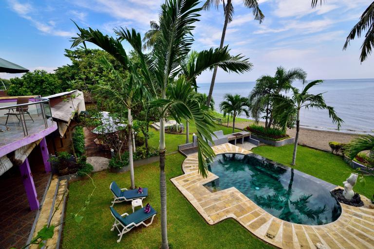 Dolphin Beach Bali, Buleleng