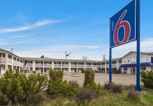Motel 6-Camrose, AB, Division No. 10