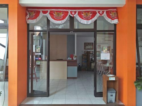 Netral Hotel Jombang, Jombang