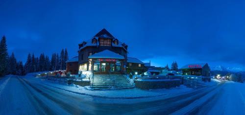 Ski Hotel,
