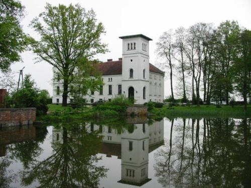Palac Bialy Ksiaze, Bartoszyce