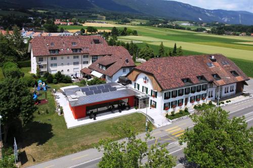 Hotel Urs und Viktor, Lebern