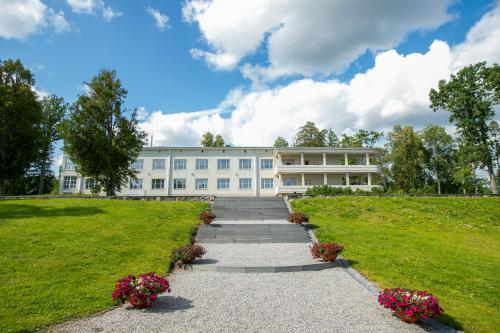 Castle Spa Wagenkull, Helme