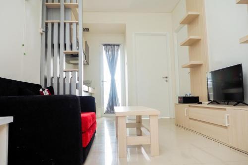 Comfortable 2BR Parahyangan Residence Apartment By Travelio, Bandung
