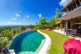 Le Bamboo Bali with Ocean View & Private Pool, Badung