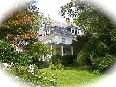 Seasons at Magnolia Manor, Carroll