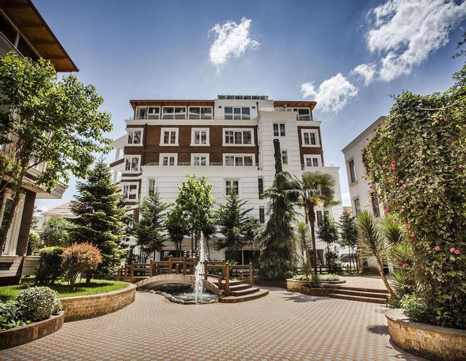 Prestige Hotel, Tiranës