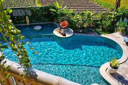 Floating Leaf Eco-Luxury Retreat, Gianyar