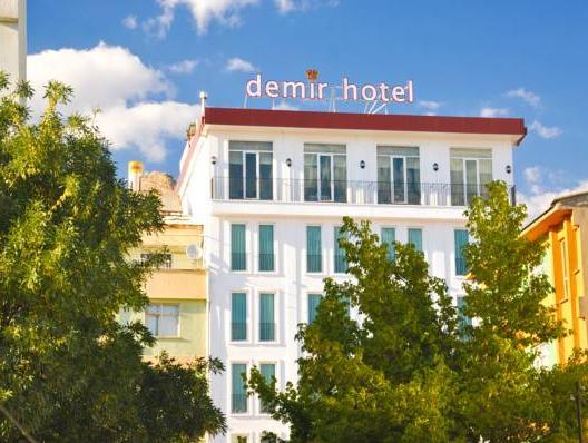 Royal Demir Hotel, Merkez