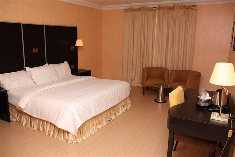 Chesney Hotel, Eti-Osa
