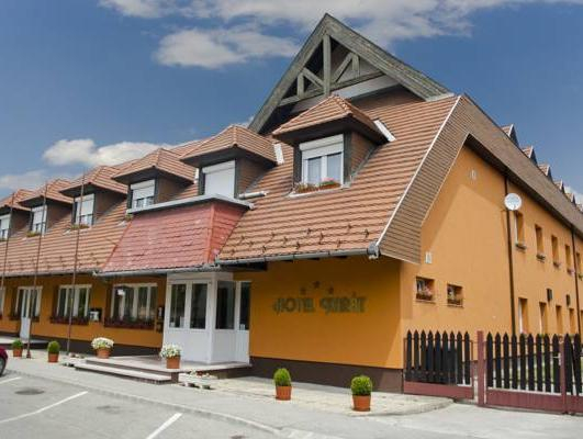 Karát Hotel, Komárom