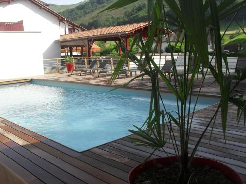 Logis Hotel Andreinia & Cabanes, Pyrénées-Atlantiques