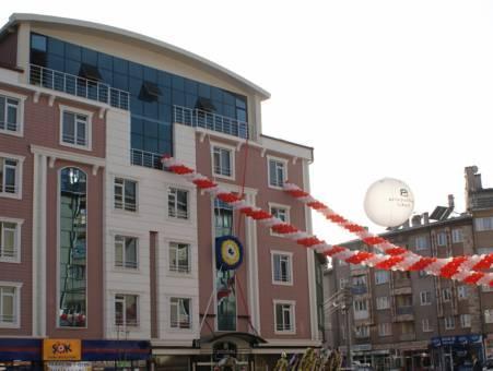 Pasabey Hotel, Merkez