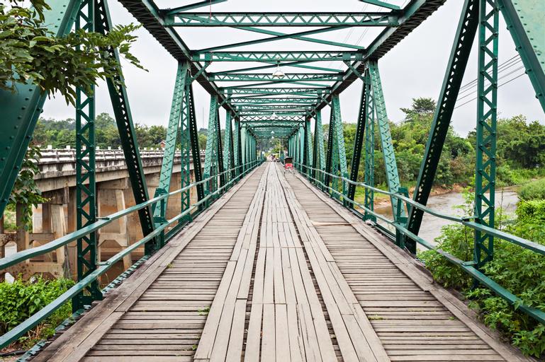 Riverside, Pai