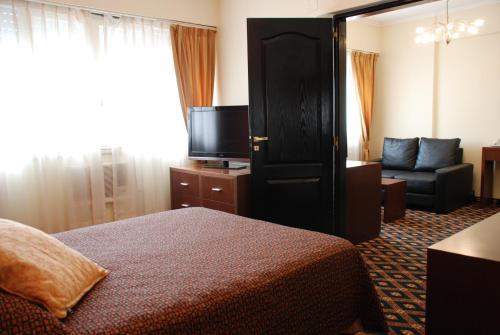 Hotel Calfucura, Capital