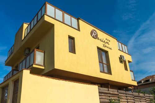 Rosiem House, Agigea