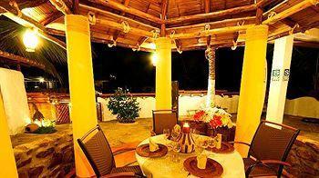 Hotel Costa Azul, Contralmirante Villar