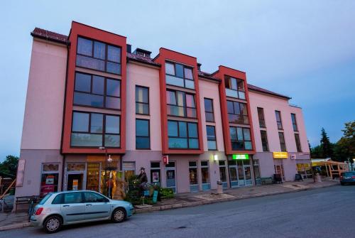 Apartments and Studios Perunika, Moravske Toplice