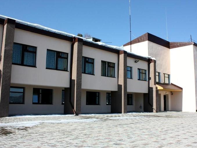 Sport-hotel Divniy, Berezovskiy rayon