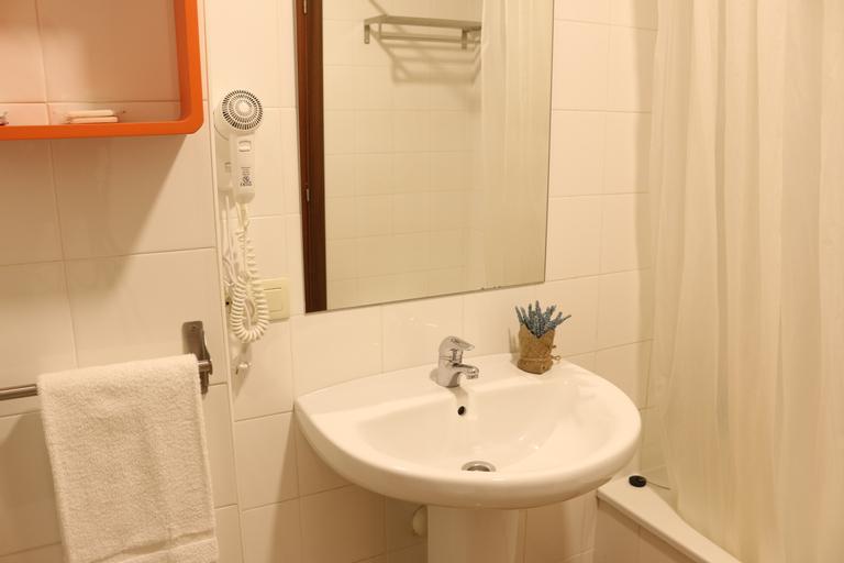Apartamentos Turísticos Cancelas by Bossh Hotels, A Coruña