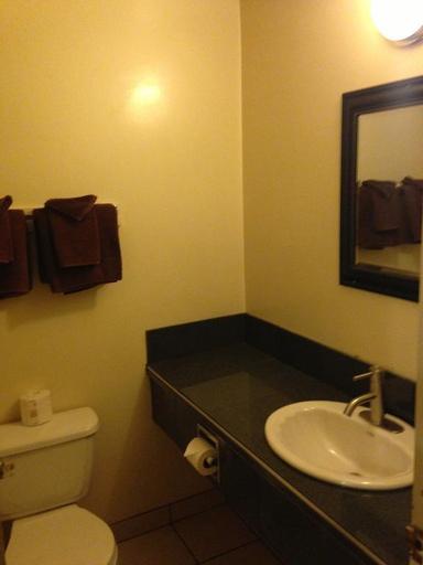 Manhattan Inn Hotel, Division No. 17